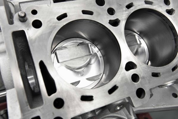 Litchfield / Capricorn GT-R pistons installed in a block