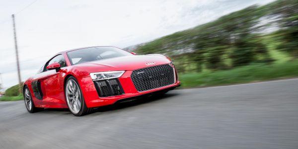 Audi R8 Akrapovic Road Test