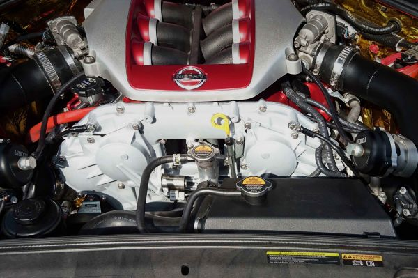 gtr engine bay