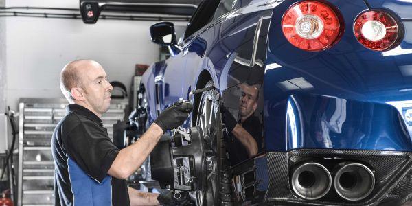 Nissan GTR wheel alignment